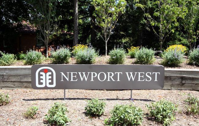 Newport West Condos, Ann Arbor Entrance