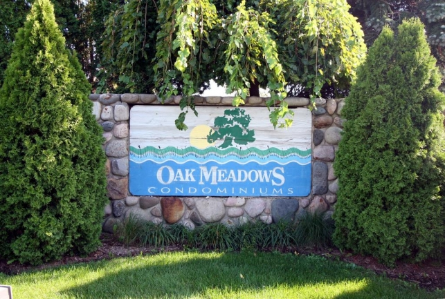Oak Meadows Condos, Ann Arbor Entrance