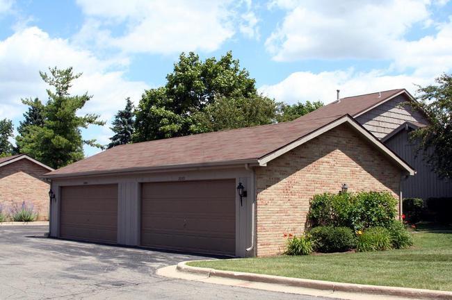 Newport West Condos, Ann Arbor Garages