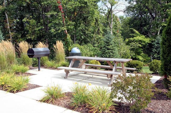 Balmoral Park Condos, Ann Arbor Picnic Area