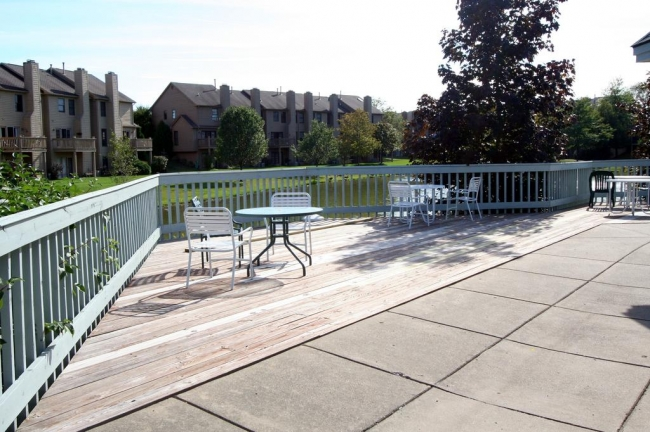 Oak Meadows Condos Clubhouse Deck