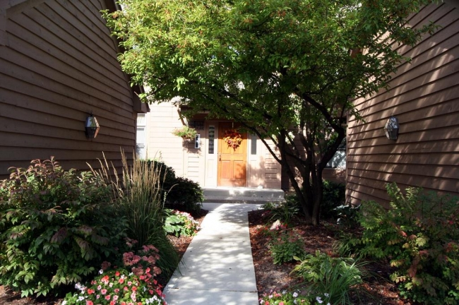 Oak Meadows Condo Walkway