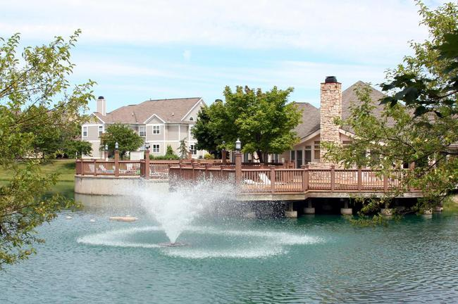 Weatherstone Condos, Pond View