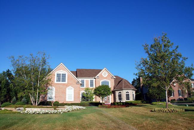 Walnut Ridge Subdivision, Ann Arbor Summer Brick Home