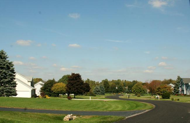 Maple Creek Subdivision, Saline MI View of Neighborhood