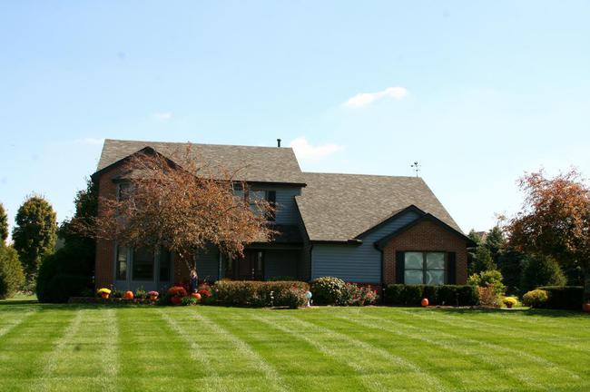 Maple Creek Subdivision, Saline MI Spacious Home